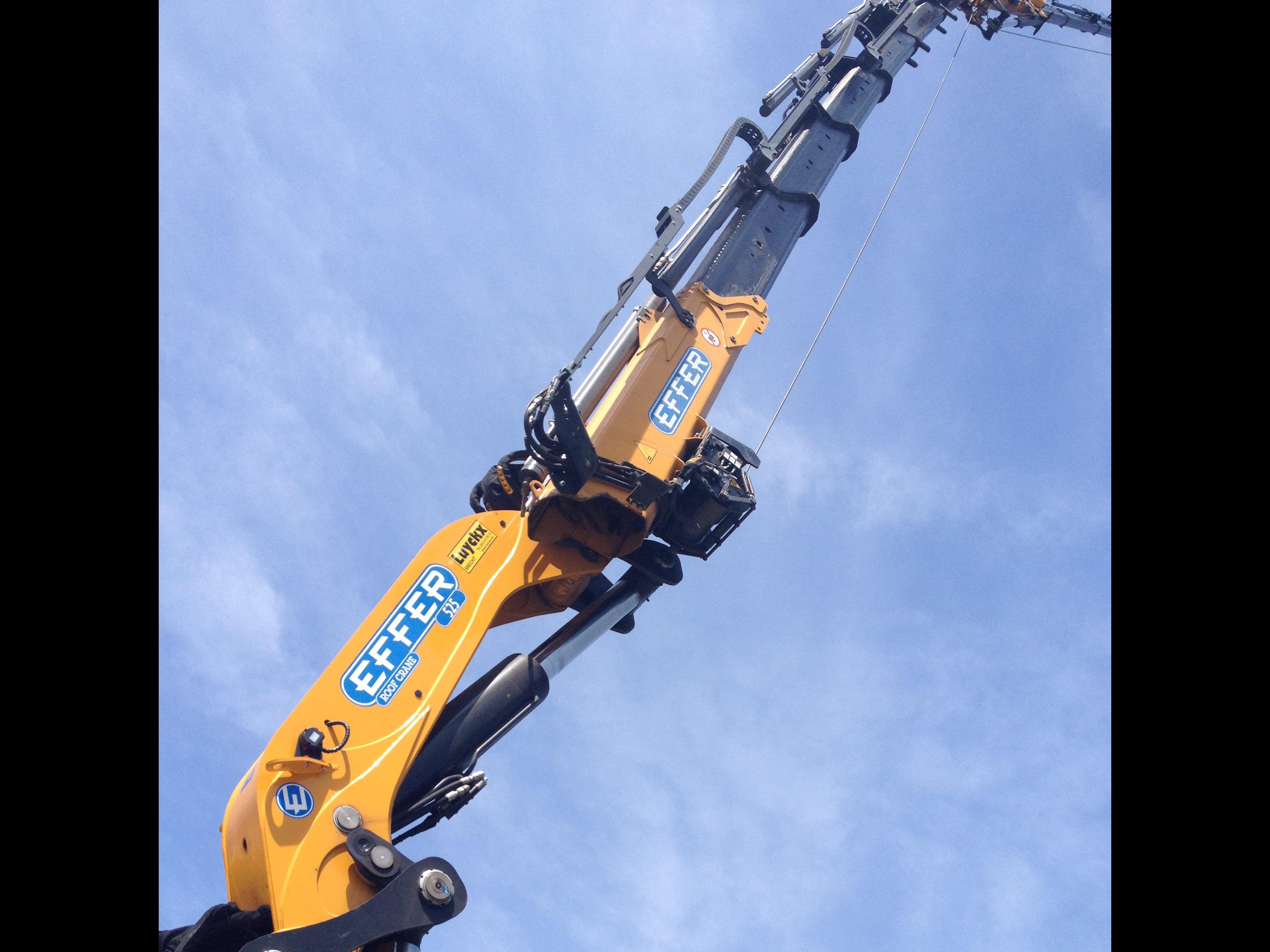 Effer-Crane-525-02