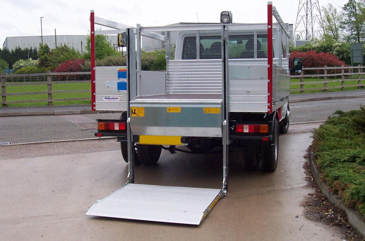 del-tail-lift-NL500LG-01