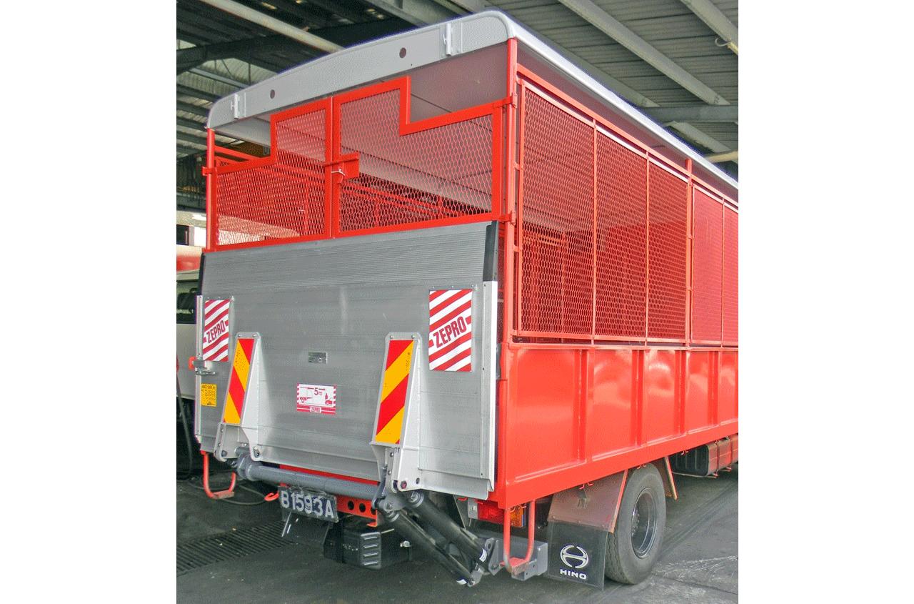 zepro-tail-lift-ZEPRO-Z10-135-03